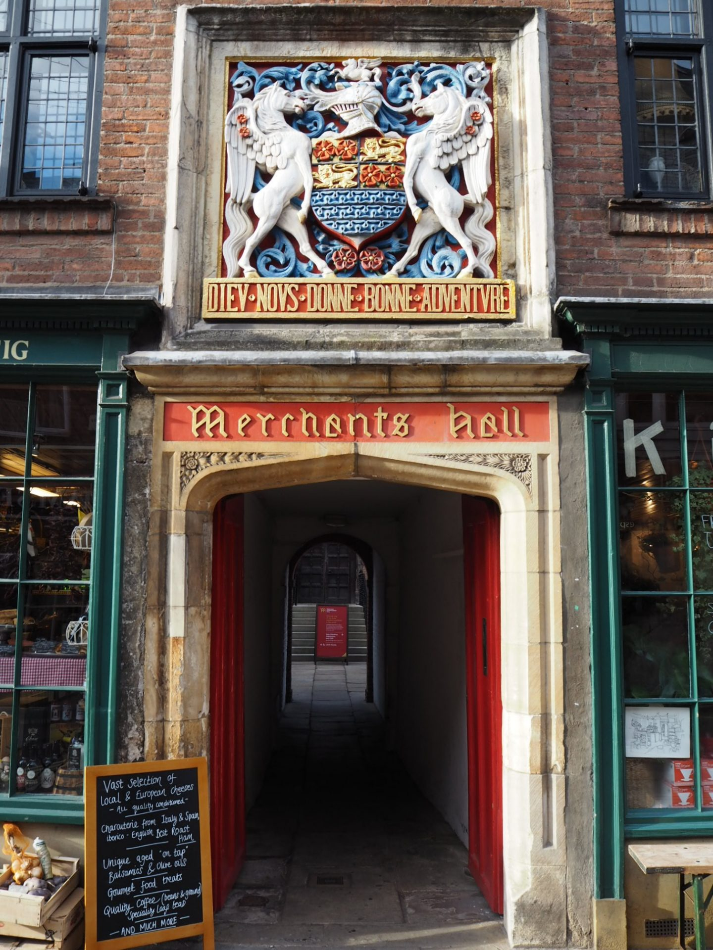 history travel guide to york - merchant adventurers hall