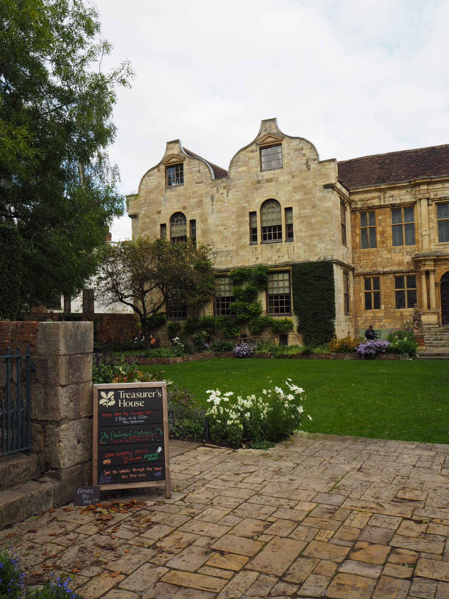 history guide to york - treasurer's house