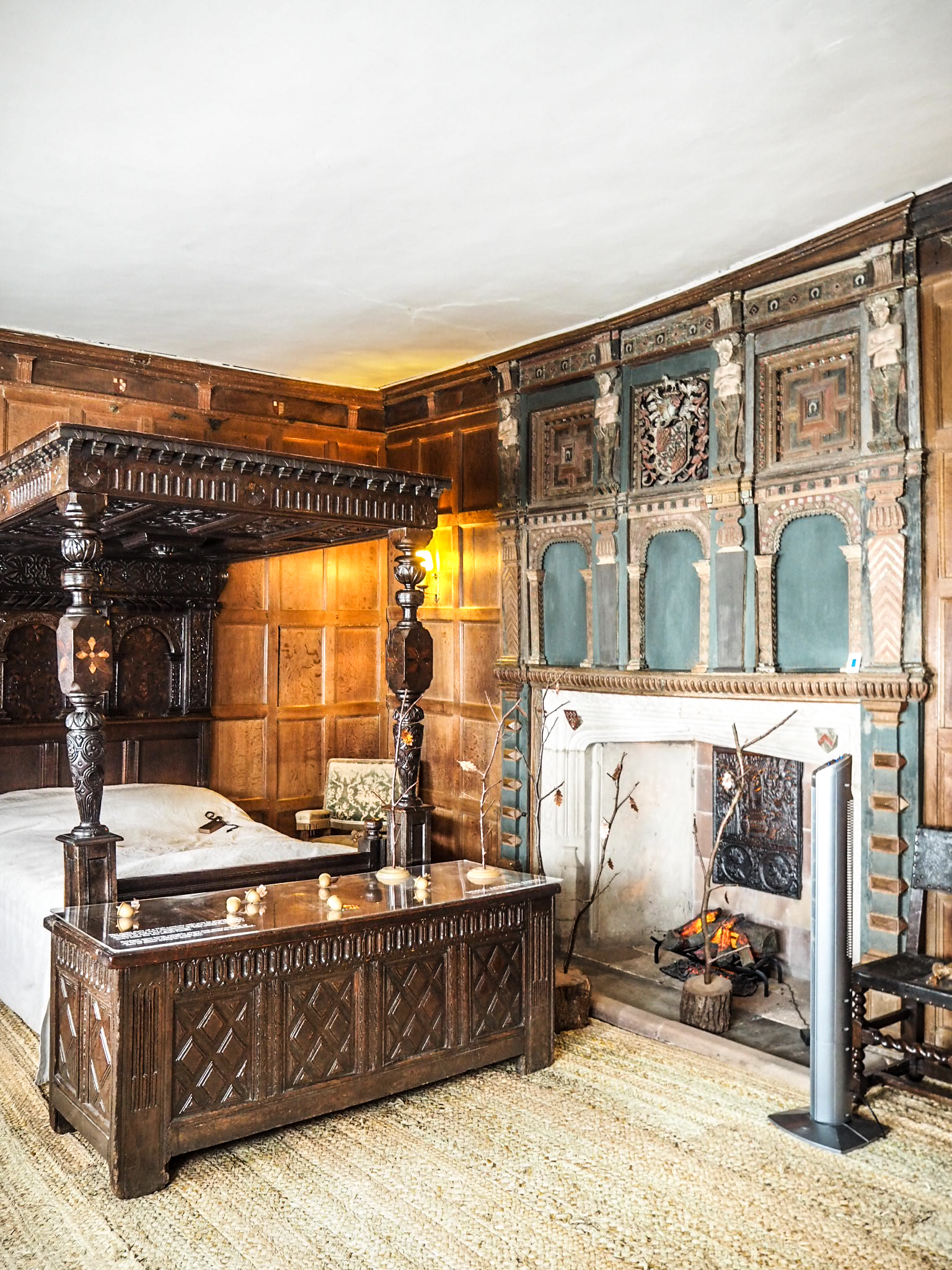 Baddesley Clinton bedroom