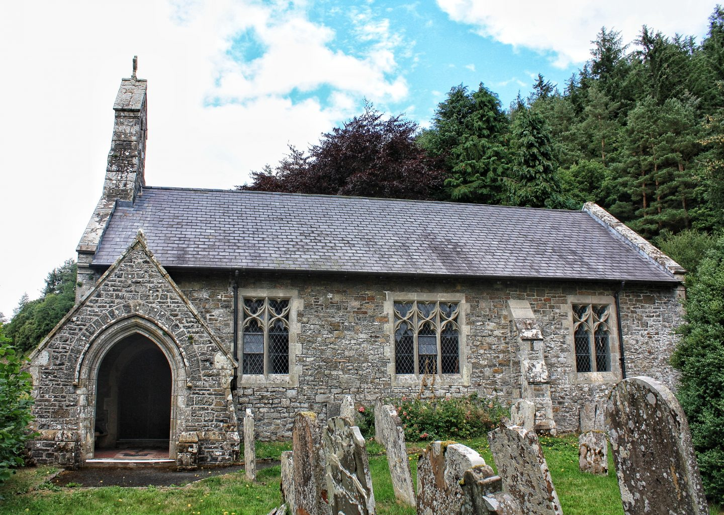 st annos church llananno